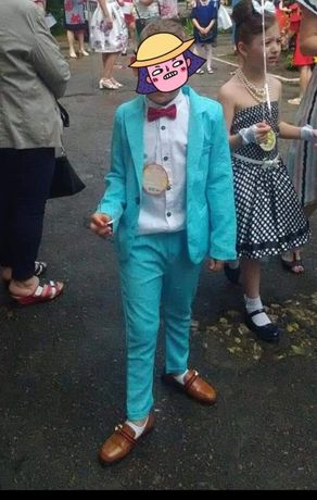 Продам костюм на выпускной