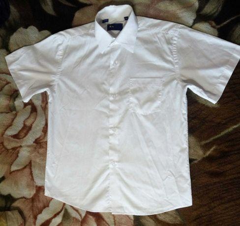 Белая рубашка новая Турция короткий рукав 135-150см на мальчика 34р