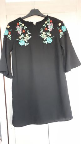 Sukienka czarna, krótka