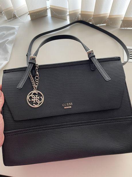 Продам новую оригинальную сумку GUESS в идеальном состоянии!