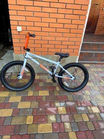 BMX Mongoose L20(трюковой велосипед)