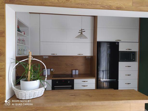 STOLARZ Meble na wymiar zamówienie kuchnie szafy garderoba łazienkowe