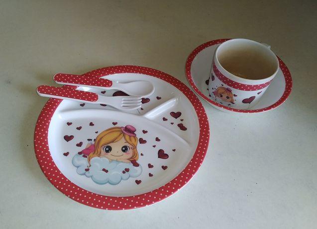 Детский набор для кормления.(тарелка,пиала,чашка и ложка с вилкой)