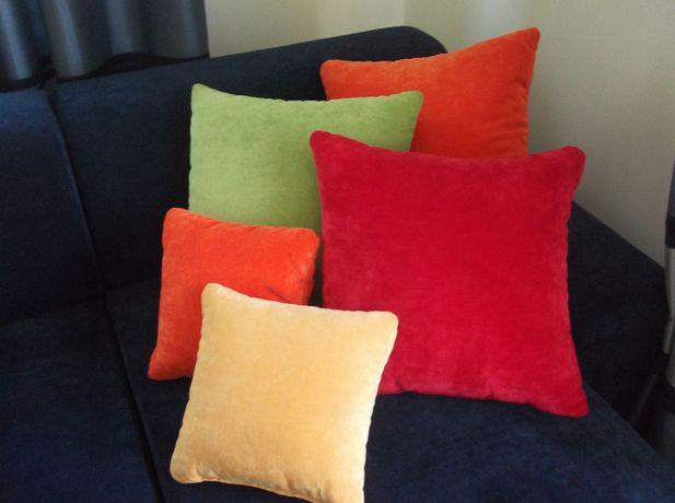 Poduszki zielona i pomarańczowa duża i mała