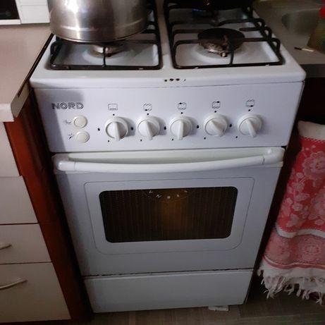 Кухонная газовая плита б/у