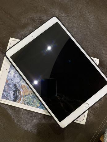 Продам ipad 10.5 pro wifi silver