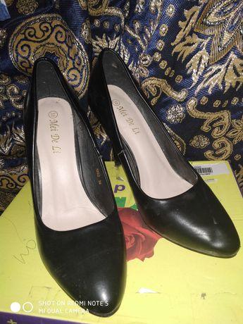 Продам туфли 38 р одеты 1 раз