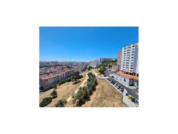 Apartamento T3. Monte Abraão