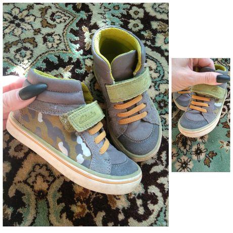 Продам фирменную  детскую обувь