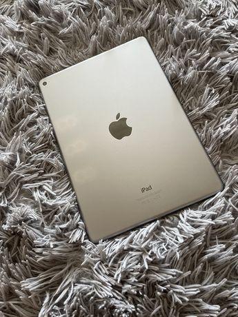 Планшет 10.2'' / 128ГБ / Apple / 8 Мп / 1.2 Мп / iPadOS