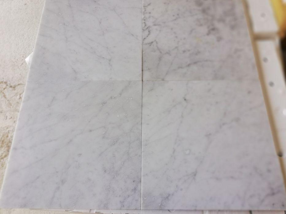 Płytki marmurowe Bianco di Carrara 40x40x1.3 Poskwitów - image 1