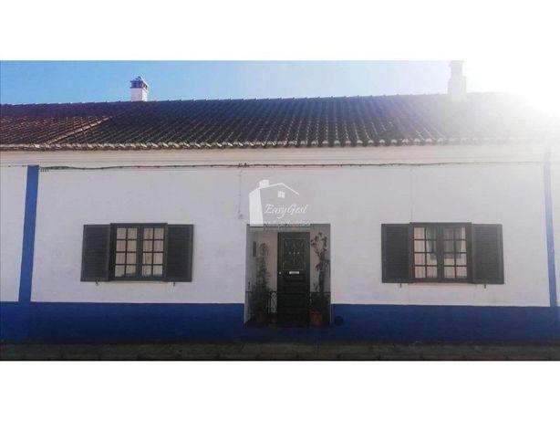 Moradia na Vila de Amoreiras Gare próxima da Costa Alente...