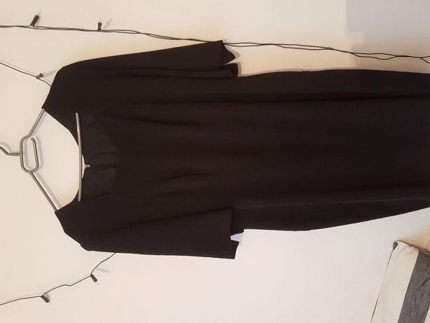 48 mała czarna sukienka