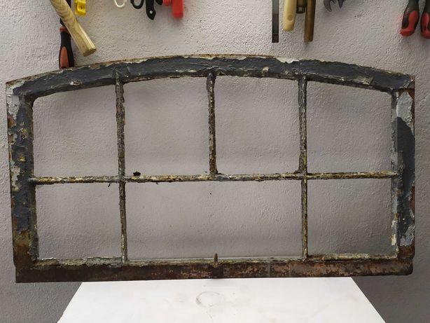 Stare metalowe okno okna stara rama ramy okienna żeliwna nr 35