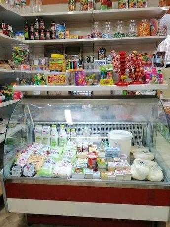 Холодильна вiтрина (холодильная витрина)