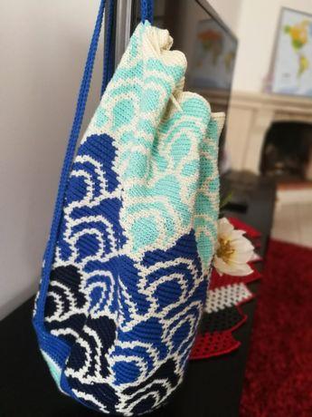 Mochila nova feita à mão em croché