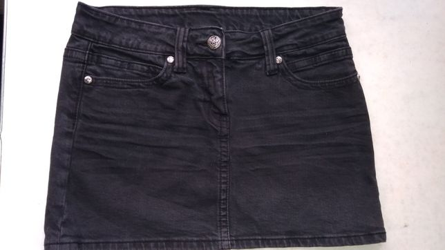 Женская джинсовая юбка с черепом