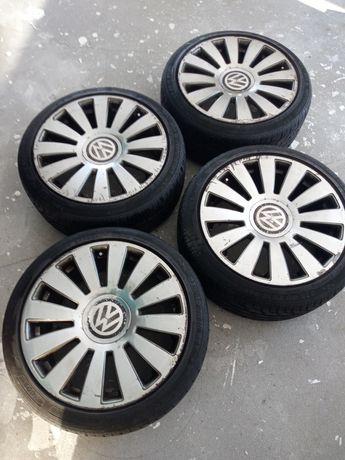 Koła felgi VW z oponami letnimi 235/40 R18