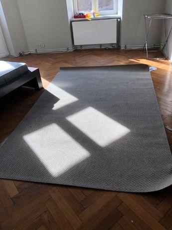Sprzedam duży szary dywan