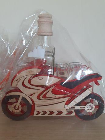 Zestaw prezentowy, karafka z kieliszkami, motocykl