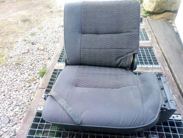 Fotel trzeciego rzedu pajero I siedzenie , tył ,