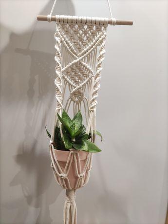 Kwietnik ze sznurka, makrama
