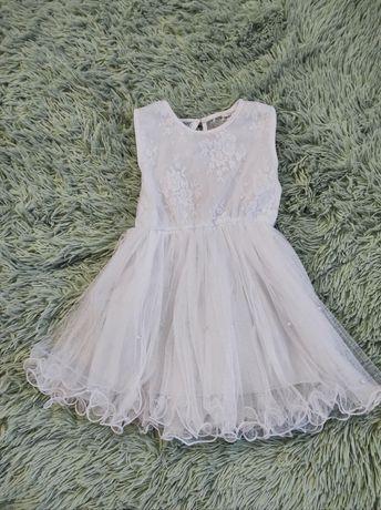 Продам нежнейшее платье для принцессы 2-4 лет.Торг.