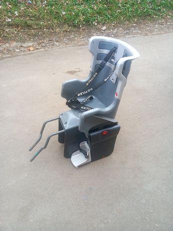 дитяче крісло на велосипед