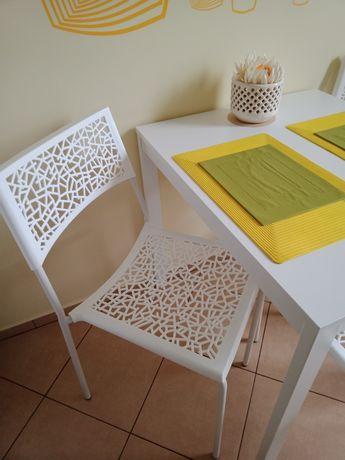 Krzesła białe ażurowe MODESTO DESIGN.