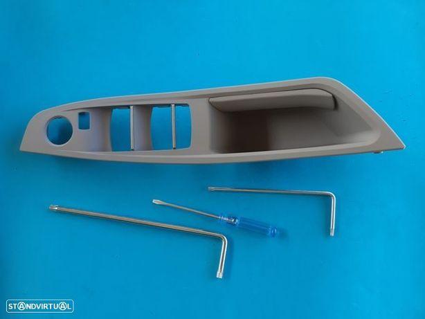 Puxador pega moldura Interior Bmw Série 5 F10 E F11 (cinza) NOVO