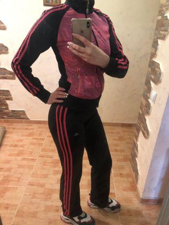 Продам спортивний костюм adidas