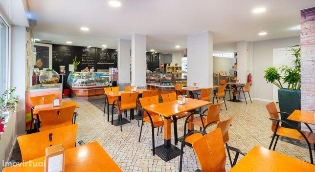 Loja, snak café com excelente espaço 160 m2 na Sobreda