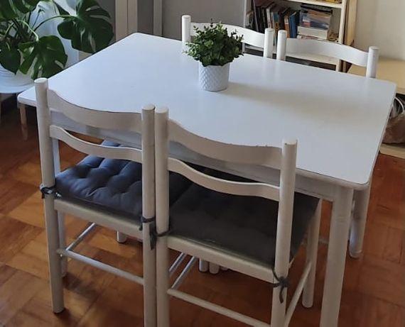 Mesa + 4 cadeiras brancas