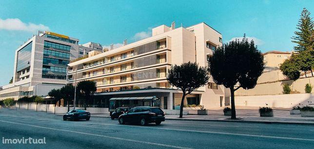 Apartamento T4 no Porto, ao Palácio de Cristal