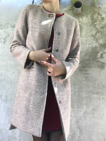 Пальто на осень беж