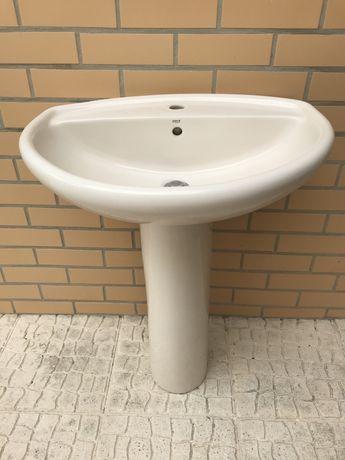 Lavatorio Roca para casa de banho