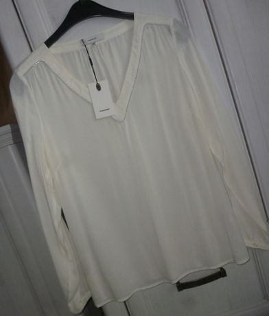 L 40 elegancka bluzka biurowa wizytowa V neck Soya Concept