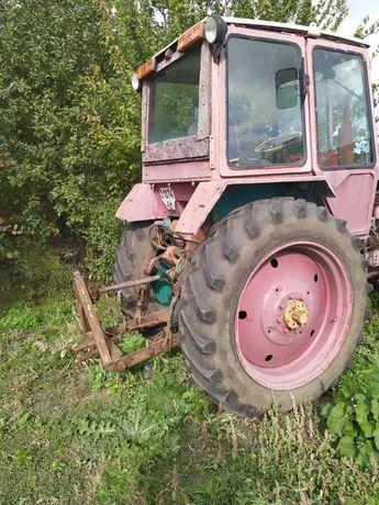 Трактор ЮМЗ с полным комплектом