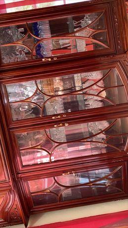 Movel espelhado (recheio de sala)