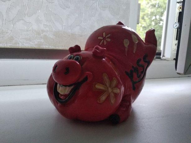 Продам копилку-свинку
