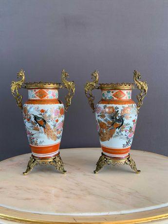 Пара антикварных ваз