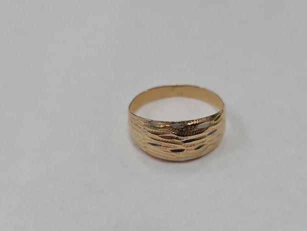Piękny złoty pierścionek damski/ 585/ 1.67 gram/ R18/ Lite złoto