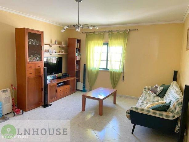 Apartamento T2 com garagem box, Vila Nova de Cacela