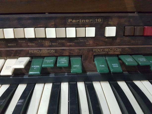 Piano pariner 16