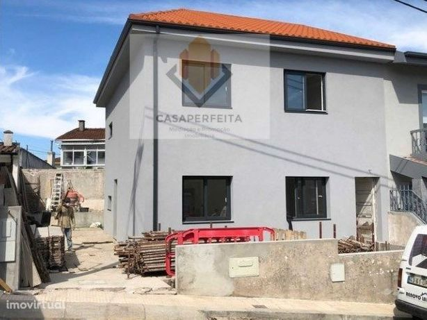2 Andares moradia disponíveis, prédio totalmente renovado-São Cosme