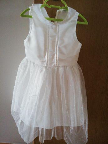 Sukienka dla dziewczynki w rozmiarze 122 cm