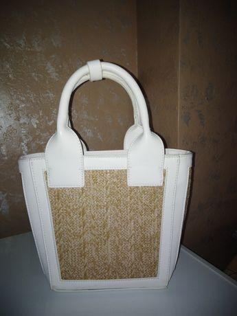 Маленькая белая сумка