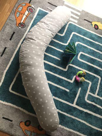 Poduszka dla kobiet w ciaży typu rogal/banan