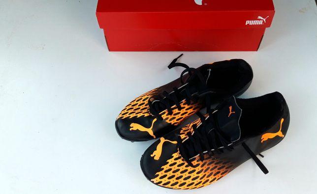 Sapatos futebol Puma relva artificial