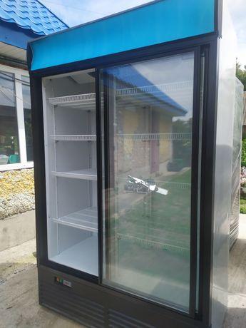Холодильна вітрина шафа, Холодильник
